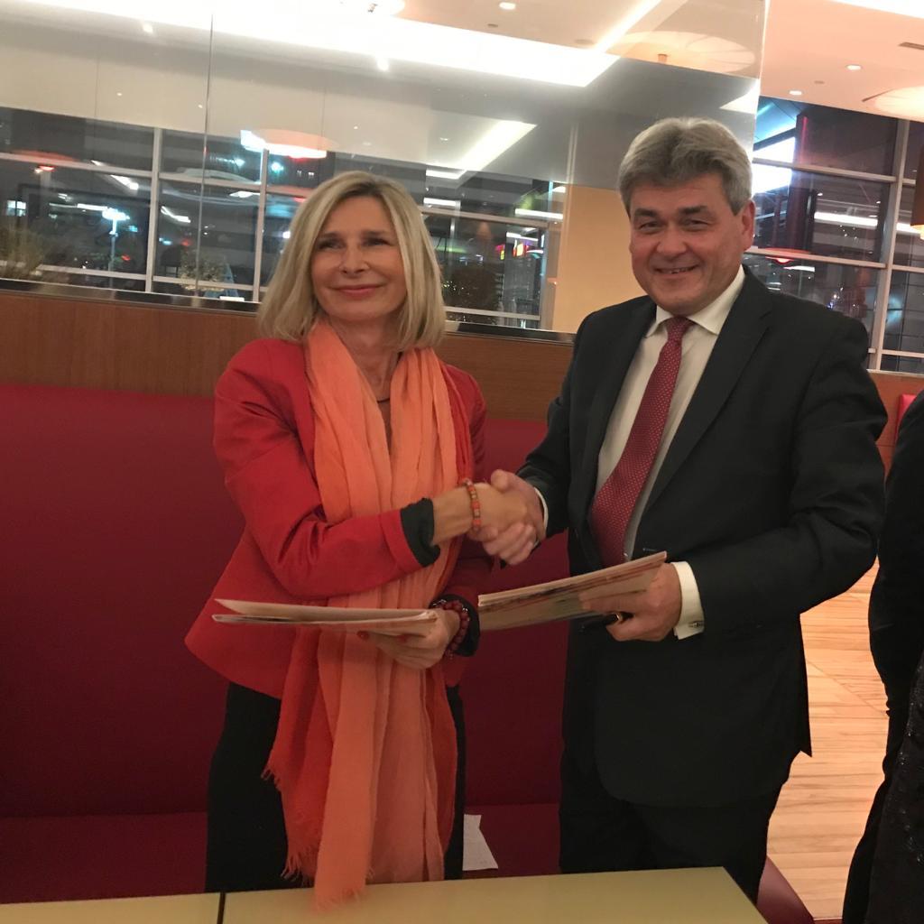 Oficjalne Porozumienie o współpracy CCE Polska z Polchambers!